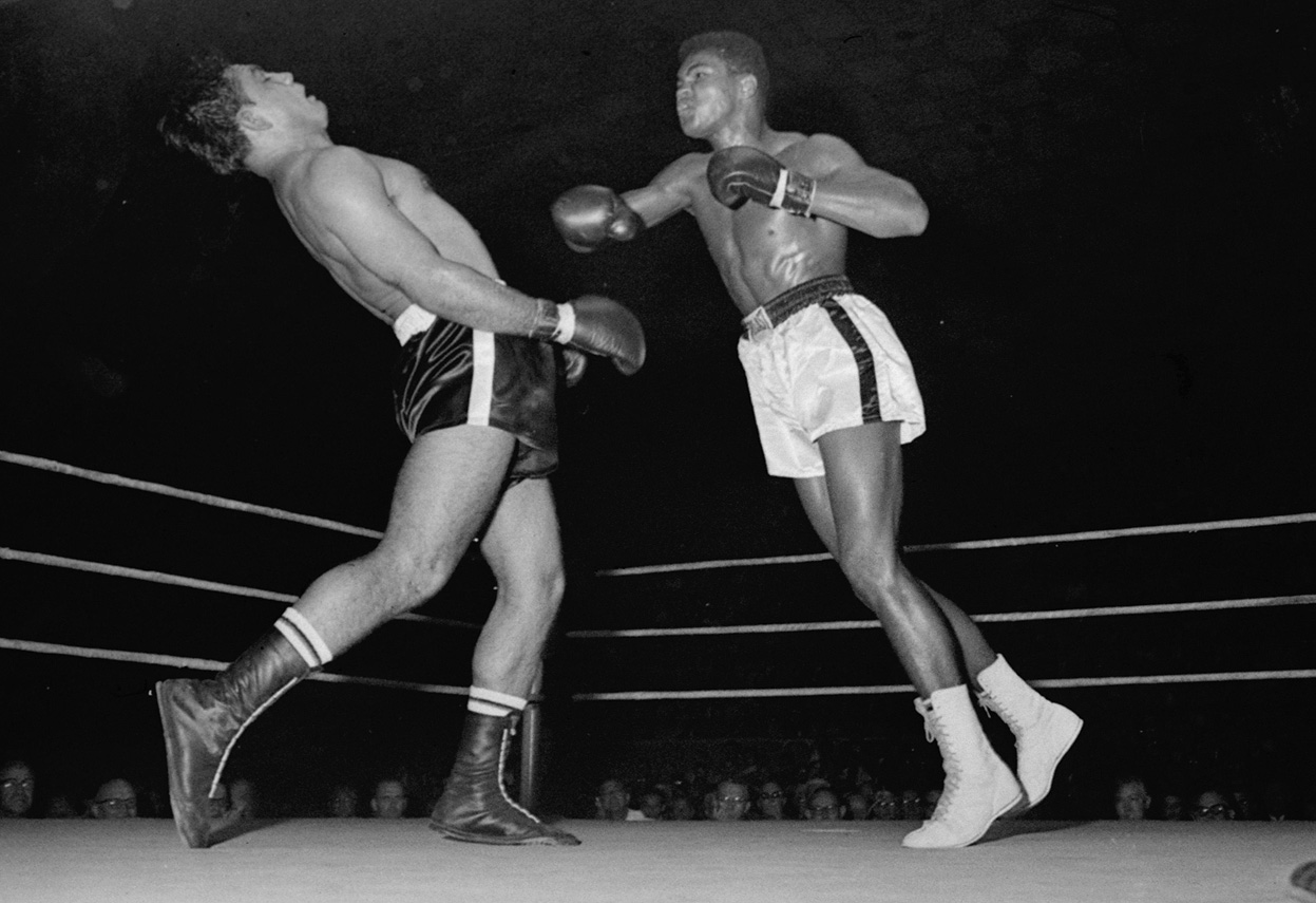 Muhammad Ali showing that boxing footwork training pays off